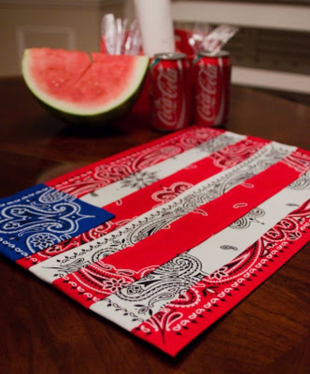DIY Ideas With Bandanas - DIY Bandana Placemats - Bandana Crafts and Decor Projects Made With A Bandana - No Sew Ideas, Bags, Bracelets, Hats, Halter Tops, Blankets and Quilts, Headbands, Simple Craft Project Tutorials for Kids and Teens - Home Decoration and Country Themed Crafts To Make and Sell On Etsy http://diyjoy.com/diy-ideas-bandanas