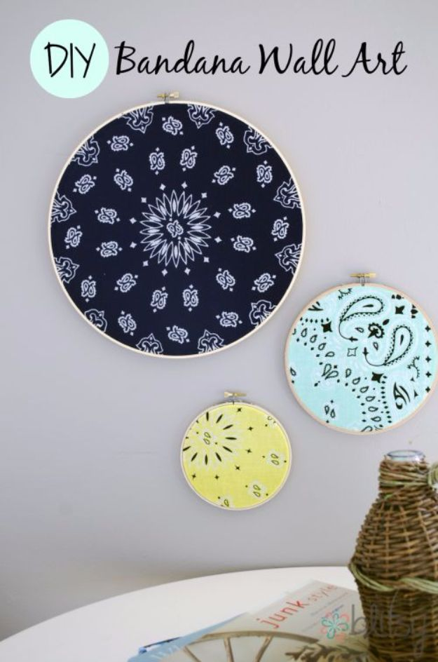 DIY Ideas With Bandanas - DIY Bandana Wall Art - Bandana Crafts and Decor Projects Made With A Bandana - No Sew Ideas, Bags, Bracelets, Hats, Halter Tops, Blankets and Quilts, Headbands, Simple Craft Project Tutorials for Kids and Teens - Home Decoration and Country Themed Crafts To Make and Sell On Etsy http://diyjoy.com/diy-ideas-bandanas