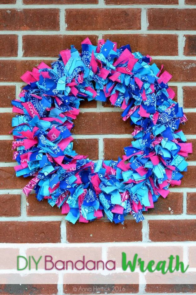 DIY Ideas With Bandanas - DIY Bandana Wreath - Bandana Crafts and Decor Projects Made With A Bandana - No Sew Ideas, Bags, Bracelets, Hats, Halter Tops, Blankets and Quilts, Headbands, Simple Craft Project Tutorials for Kids and Teens - Home Decoration and Country Themed Crafts To Make and Sell On Etsy http://diyjoy.com/diy-ideas-bandanas