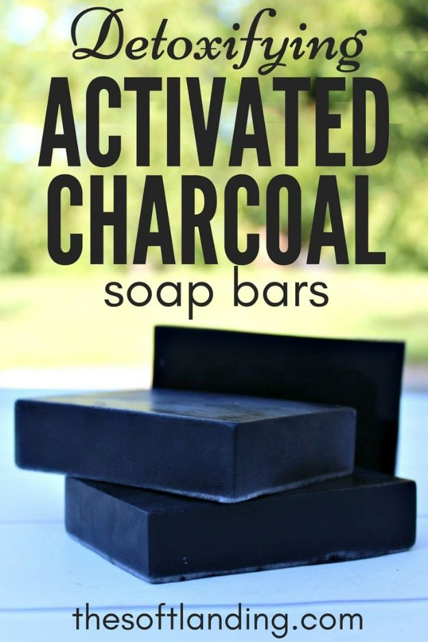 DIY Soap Recipes - DIY Detoxifying Activated Charcoal Soap Bars - Melt and Pour, Homemade Recipe Without Lye - Natural Soap crafts for Kids - Shea Butter, Essential Oils, Easy Ides With 3 Ingredients - soap recipes with step by step tutorials #soap #diygifts