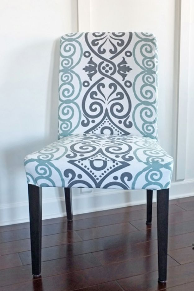 DIY Slipcovers - DIY Dining Chair Slipcovers from a Tablecoth - Do It Yourself Slip Covers For Furniture - No Sew Ideas, Easy Fabrics Four Couch and Sofa Cover - Chair Projects and Ideas, How To Make a Slip cover with step by step tutorial and instructions - Cool DIY Home and Living Room Decor #slipcovers #diydecor