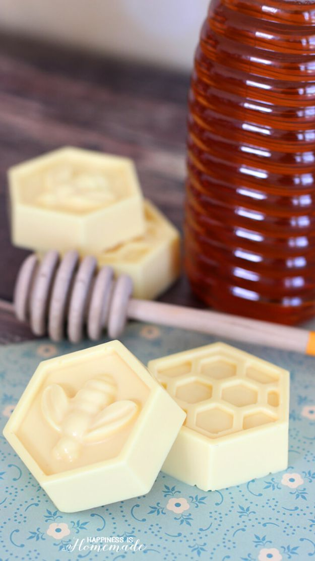 DIY Soap Recipes - DIY Milk and Honey Soap - Melt and Pour, Homemade Recipe Without Lye - Natural Soap crafts for Kids - Shea Butter, Essential Oils, Easy Ides With 3 Ingredients - Pretty and Creative Soap Tutorials With Step by Step Instructions for Handmade Soap Making - Cool Stuff To Make and Sell On Etsy http://diyjoy.com/diy-soap-recipes