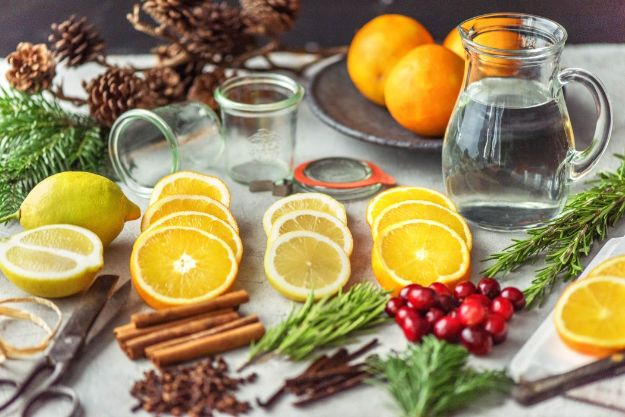 DIY Home Fragrance Ideas - DIY Natural Room Scents - Easy Ways To Make your House and Home Smell Good - Essential Oils, Diffusers, DIY Lampe Berger Oil, Candles, Room Scents and Homemade Recipes for Odor Removal - Relaxing Lavender, Fresh Clean Smells, Lemon, Herb http://diyjoy.com/diy-home-fragrance-ideas