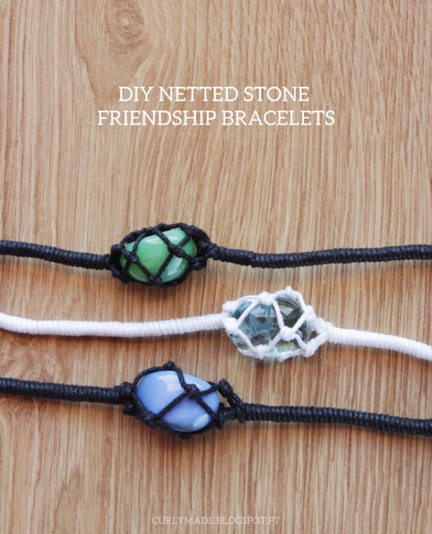 Macrame Crafts - DIY Netted Stone Friendship Bracelets - DIY Ideas and Easy Macrame Projects for Home Decor, Gifts and Wall Art - Cool Bracelets, Plant Holders, Beautiful Dream Catchers, Things To Make and Sell on Etsy, How To Make Knots for Your Macrame Craft Projects, Fun Ideas Even Kids and Teens Can Make #macrame #crafts #diyideas
