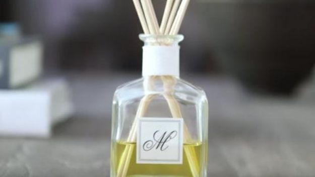 DIY Home Fragrance Ideas - DIY Oil Diffuser - Easy Ways To Make your House and Home Smell Good - Essential Oils, Diffusers, DIY Lampe Berger Oil, Candles, Room Scents and Homemade Recipes for Odor Removal - Relaxing Lavender, Fresh Clean Smells, Lemon, Herb