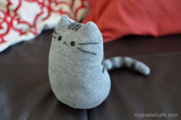 DIY Ideas With Cats - DIY Pusheen Sock Plush - Cute and Easy DIY Projects for Cat Lovers - Wall and Home Decor Projects, Things To Make and Sell on Etsy - Quick Gifts to Make for Friends Who Have Kittens and Kitties - Homemade No Sew Projects- Fun Jewelry, Cool Clothes, Pillows and Kitty Accessories http://diyjoy.com/diy-ideas-cats