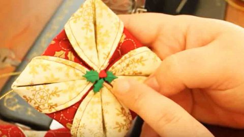 She Sews Two Circles Of Fabric Together And Folds It Into A Beautiful Holiday Item! | DIY Joy Projects and Crafts Ideas