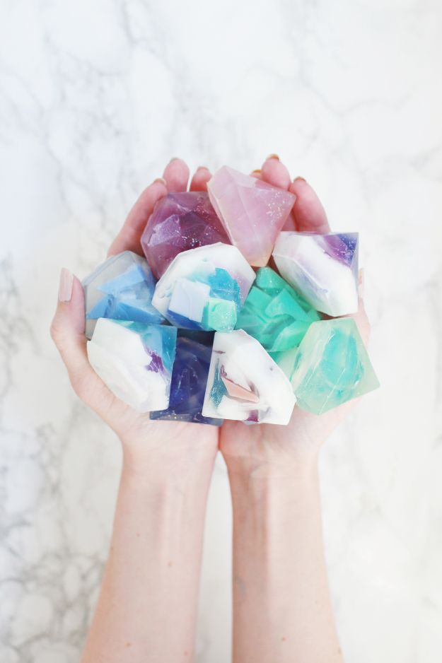 DIY Soap Recipes - Gem Stone Soap DIY - Melt and Pour, Homemade Recipe Without Lye - Natural Soap crafts for Kids - Shea Butter, Essential Oils, Easy Ides With 3 Ingredients - soap recipes with step by step tutorials #soap #diygifts
