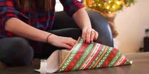 She Shows Us Some Incredible Gift Wrapping Tips I'll Bet You Didn't Know About!
