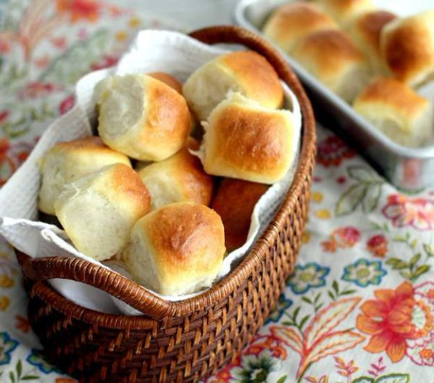 Best Dinner Party Ideas - Light And Buttery Dinner Rolls - Best Recipes for Foods to Serve, Casseroles, Finger Foods, Desserts and Appetizers- Place Settings and Cards, Centerpieces, Table Decor and Recipe Ideas for Supper Clubs and Dinner Parties http://diyjoy.com/best-dinner-party-ideas