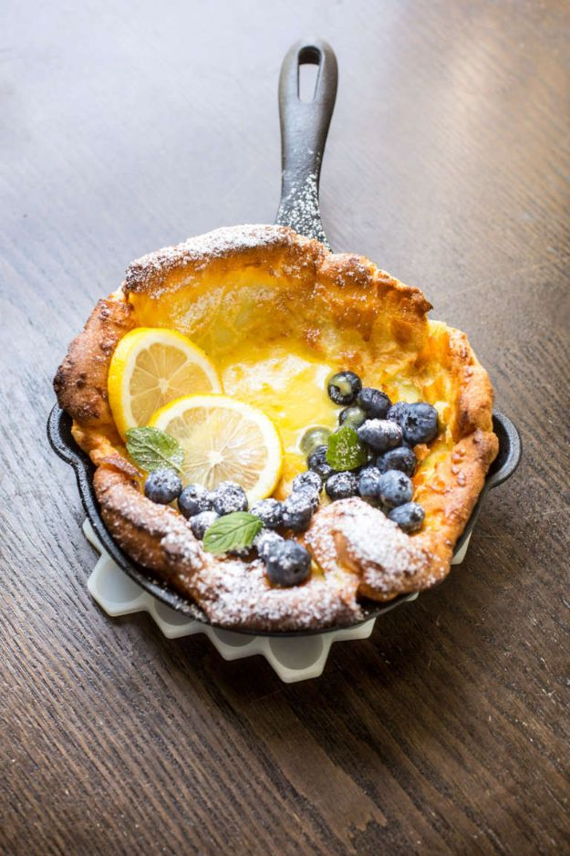 Best Brunch Recipes - Mini Dutch Babies With Lemon Curd And Blueberries - Eggs, Pancakes, Waffles, Casseroles, Vegetable Dishes and Side, Potato Recipe Ideas for Brunches - Serve A Crowd and Family with the versions of Eggs Benedict, Mimosas, Muffins and Pastries, Desserts - Make Ahead , Slow Cooler and Healthy Casserole Recipes #brunch #breakfast #recipes