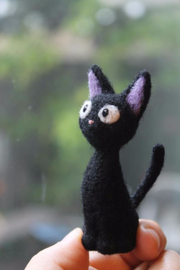 DIY Ideas With Cats - Needle Felted Totoro - Cute and Easy DIY Projects for Cat Lovers - Wall and Home Decor Projects, Things To Make and Sell on Etsy - Quick Gifts to Make for Friends Who Have Kittens and Kitties - Homemade No Sew Projects- Fun Jewelry, Cool Clothes, Pillows and Kitty Accessories http://diyjoy.com/diy-ideas-cats