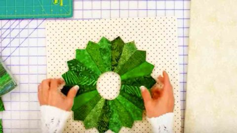 She Makes A Wreath Unlike Any Wreath You'll See Hanging On A Door! Learn How. | DIY Joy Projects and Crafts Ideas