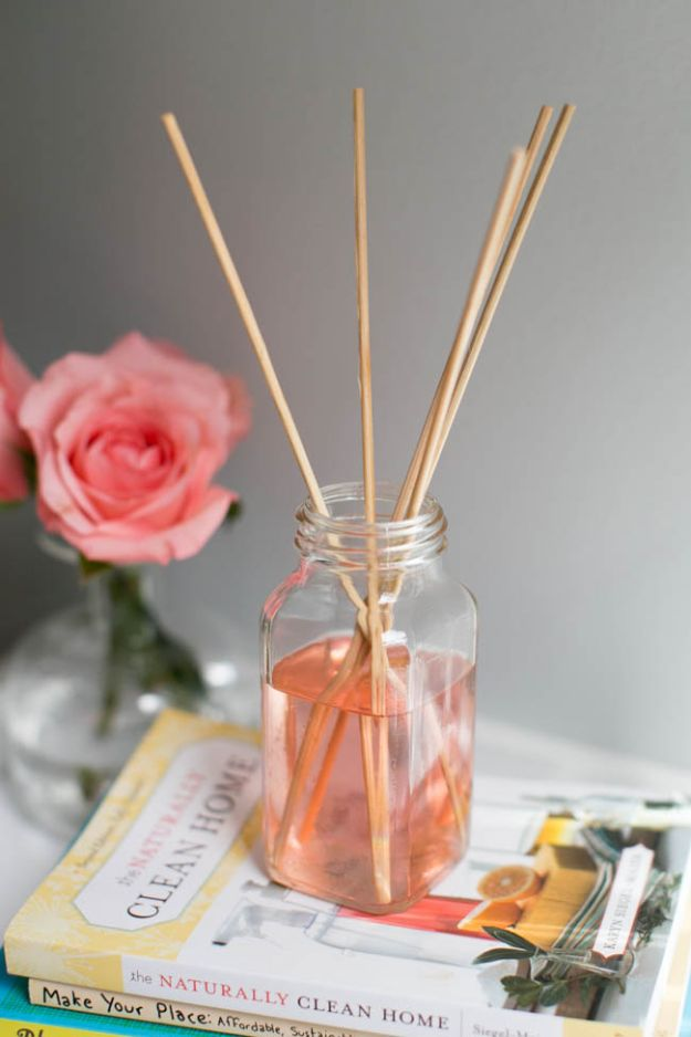 DIY Home Fragrance Ideas - Recycled DIY Diffuser - Easy Ways To Make your House and Home Smell Good - Essential Oils, Diffusers, DIY Lampe Berger Oil, Candles, Room Scents and Homemade Recipes for Odor Removal - Relaxing Lavender, Fresh Clean Smells, Lemon, Herb http://diyjoy.com/diy-home-fragrance-ideas