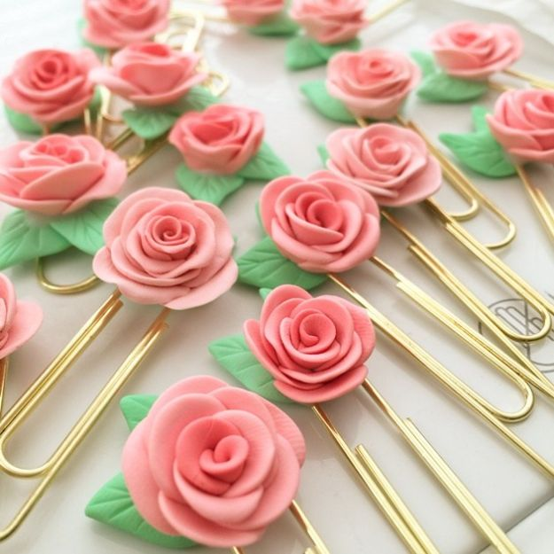Rose Crafts - Rose Clips - Easy Craft Projects With Roses - Paper Flowers, Quilt Patterns, DIY Rose Art for Kids - Dried and Real Roses for Wall Art and Do It Yourself Home Decor - Mothers Day Gift Ideas - Fake Rose Arrangements That Look Amazing - Cute Centerrpieces and Crafty DIY Gifts With A Rose http://diyjoy.com/rose-crafts