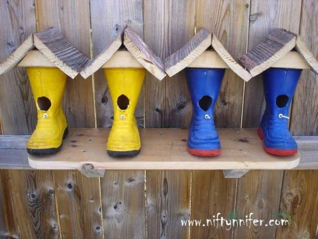 DIY Bird Houses - Rubber Boots Birdhouse - Easy Bird House Ideas for Kids and Adult To Make - Free Plans and Tutorials for Wooden, Simple, Upcyle Designs, Recycle Plastic and Creative Ways To Make Rustic Outdoor Decor and a Home for the Birds - Fun Projects for Your Backyard This Summer
