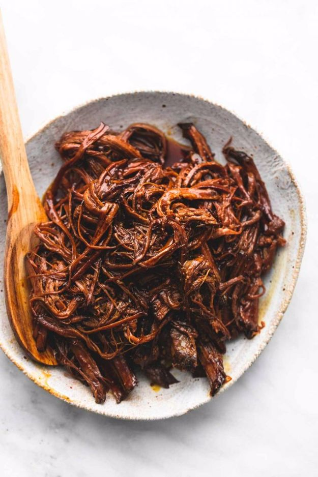 Best Barbecue Recipes - Slow Cooker Honey BBQ Beef Brisket - Easy BBQ Recipe Ideas for Lunch, Dinner and Quick Party Appetizers - Grilled and Smoked Foods, Chicken, Beef and Meat, Fish and Vegetable Ideas for Grilling - Sauces and Rubs, Seasonings and Favorite Bar BBQ Tips #bbq #bbqrecipes #grilling