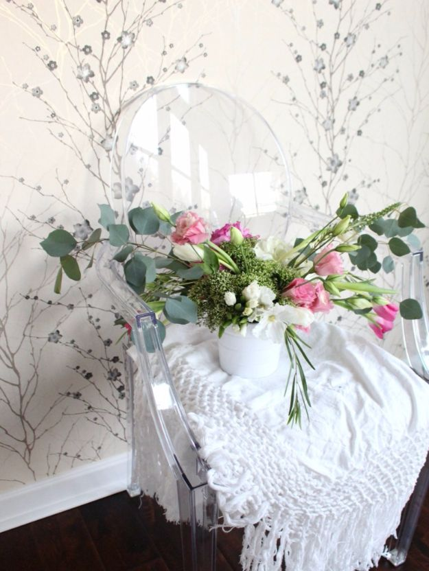 DIY Flowers for Weddings - Spring Flower Centerpiece - Centerpieces, Bouquets, Arrangements for Wedding Ceremony - Aisle Ideas, Rustic Bouquet Projects - Paper, Cheap, Fake Floral, Silk Flower Centerpiece To Make For Brides on A Budget - Decor for Spring, Summer, Winter and Fall http://diyjoy.com/diy-flowers-for-weddings