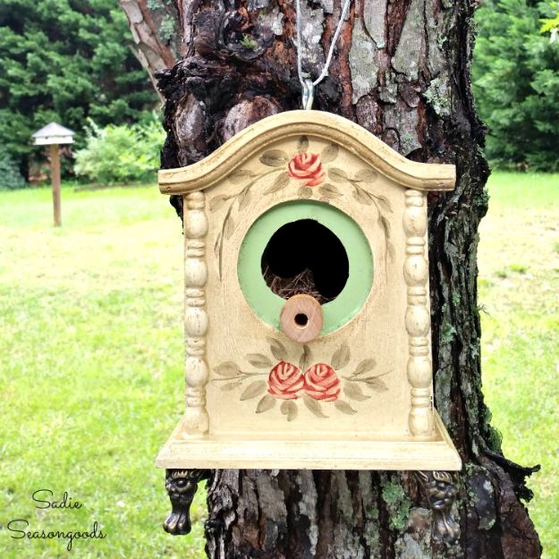DIY Bird Houses - Tick Tock for your Feathered Flock - The DIY Birdhouse - Easy Bird House Ideas for Kids and Adult To Make - Free Plans and Tutorials for Wooden, Simple, Upcyle Designs, Recycle Plastic and Creative Ways To Make Rustic Outdoor Decor and a Home for the Birds - Fun Projects for Your Backyard This Summer http://diyjoy.com/diy-bird-houses