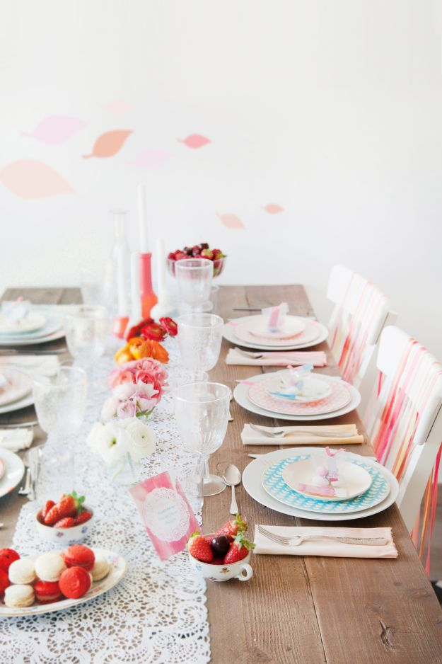 Best Dinner Party Ideas - Tie Dye Table Setting - Best Recipes for Foods to Serve, Casseroles, Finger Foods, Desserts and Appetizers- Place Settings and Cards, Centerpieces, Table Decor and Recipe Ideas for Supper Clubs and Dinner Parties http://diyjoy.com/best-dinner-party-ideas