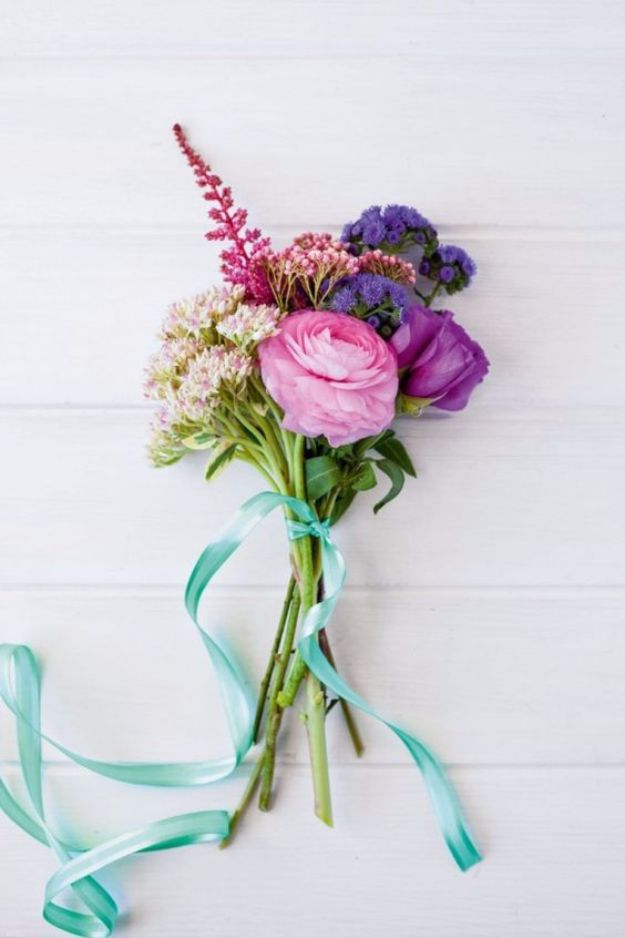 DIY Flowers for Weddings - Tied Posy Bouquet - Centerpieces, Bouquets, Arrangements for Wedding Ceremony - Aisle Ideas, Rustic Bouquet Projects - Paper, Cheap, Fake Floral, Silk Flower Centerpiece To Make For Brides on A Budget - Decor for Spring, Summer, Winter and Fall http://diyjoy.com/diy-flowers-for-weddings