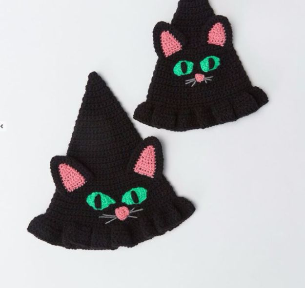 DIY Ideas With Cats - Witchy Cat Hat - Cute and Easy DIY Projects for Cat Lovers - Wall and Home Decor Projects, Things To Make and Sell on Etsy - Quick Gifts to Make for Friends Who Have Kittens and Kitties - Homemade No Sew Projects- Fun Jewelry, Cool Clothes, Pillows and Kitty Accessories http://diyjoy.com/diy-ideas-cats