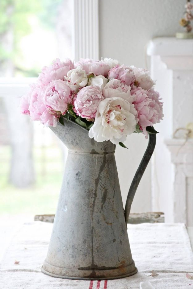 DIY Shabby Chic Decor Ideas - Antique Coffee Pot Flower Vase - French Farmhouse and Vintage White Linens - Bedroom, Living Room, Bathroom Ideas, Distressed Furniture and Boho Crafts - Cheap Dollar Store Projects and Upcycle Repurposed Home Decor #diyideas #shabbychic #diyhomedecor
