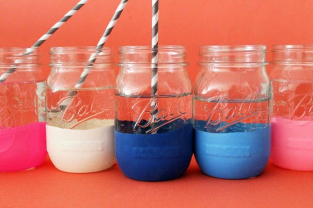 DIY Glassware - Balloon Dipped Mason Jar Glassware - Cool Bar and Drink Glasses You Can Make and Decorate for Creative and Unique Serving Glass Ideas - Mugs, Cups, Decanters, Pitchers and Glass Ware Projects - Paint, Etch, Etching Tutorials, Dotted, Sharpie Art and Dishwasher Safe Decorating Tips - Easy DIY Gift Ideas for Him and Her - Handmade Home Decor DIY