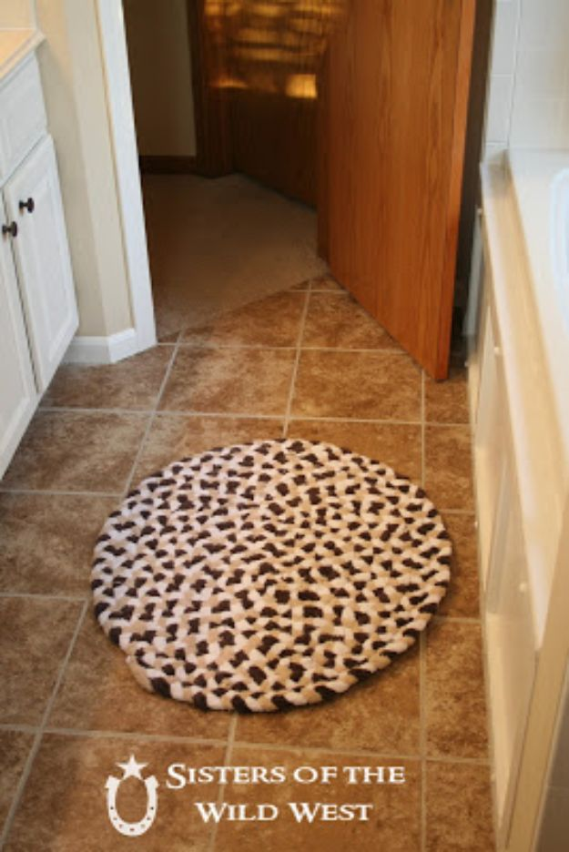 DIY Rugs - Braided Rug From Old Towels - Ideas for An Easy Handmade Rug for Living Room, Bedroom, Kitchen Mat and Cheap Area Rugs You Can Make - Stencil Art Tutorial, Painting Tips, Fabric, Yarn, Old Denim Jeans, Rope, Tshirt, Pom Pom, Fur, Crochet, Woven and Outdoor Projects - Large and Small Carpet #diyrugs #diyhomedecor