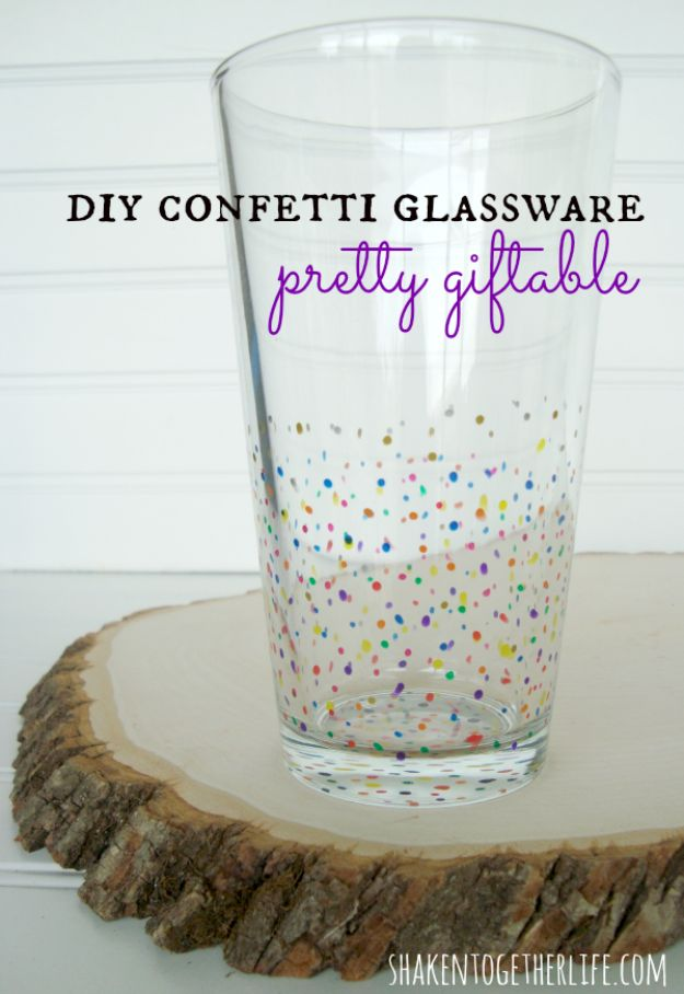 DIY Glassware - Christmas Confetti Glassware - Cool Bar and Drink Glasses You Can Make and Decorate for Creative and Unique Serving Glass Ideas - Mugs, Cups, Decanters, Pitchers and Glass Ware Projects - Paint, Etch, Etching Tutorials, Dotted, Sharpie Art and Dishwasher Safe Decorating Tips - Easy DIY Gift Ideas for Him and Her - Handmade Home Decor DIY