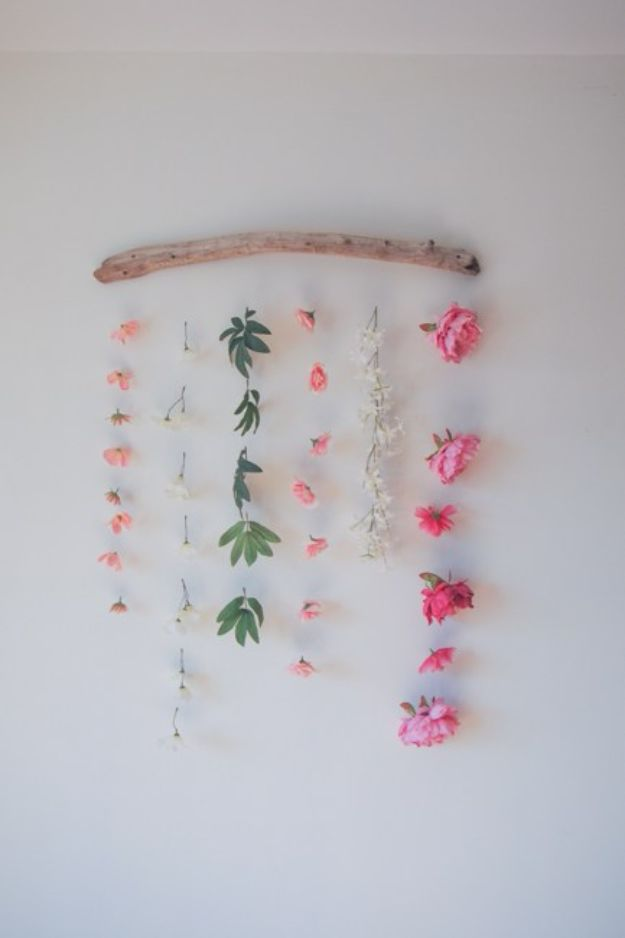DIY Wall Hangings - DIY Flower Wall Hanging - Easy Yarn Projects , Macrame Ideas , Fabric Tapestry and Paper Arts and Crafts , Planter and Wood Board Ideas for Bedroom and Living Room Decor - Cute Mobile and Wall Hanging for Nursery and Kids Rooms #wallart #diy #roomdecor