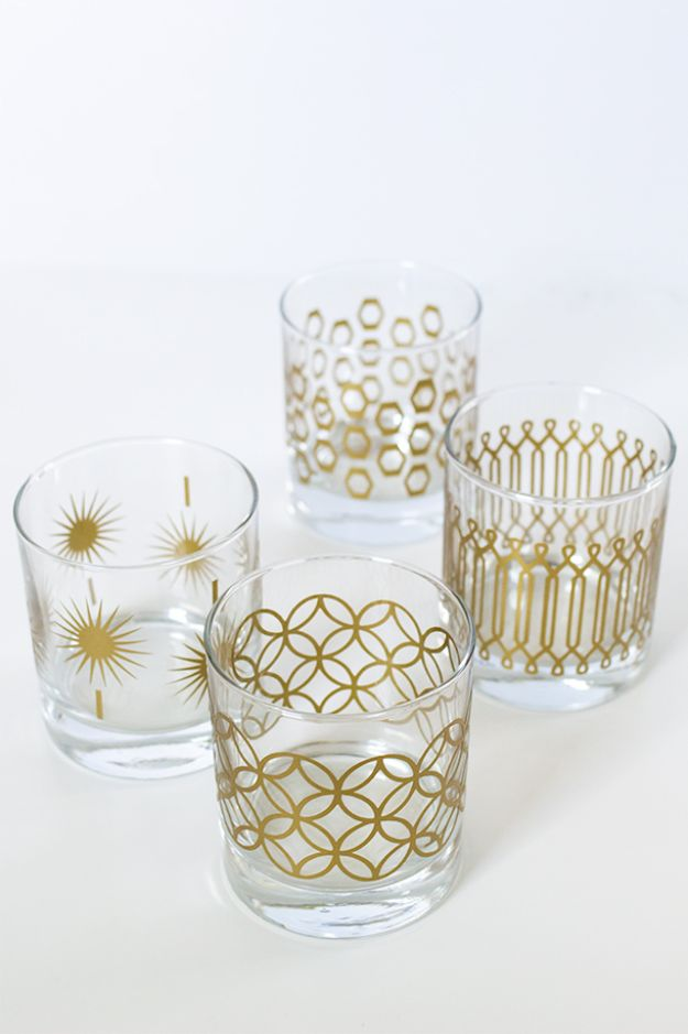DIY Glassware - DIY Metallic Print Glassware - Cool Bar and Drink Glasses You Can Make and Decorate for Creative and Unique Serving Glass Ideas - Mugs, Cups, Decanters, Pitchers and Glass Ware Projects - Paint, Etch, Etching Tutorials, Dotted, Sharpie Art and Dishwasher Safe Decorating Tips - Easy DIY Gift Ideas for Him and Her - Handmade Home Decor DIY http://diyjoy.com/diy-glassware