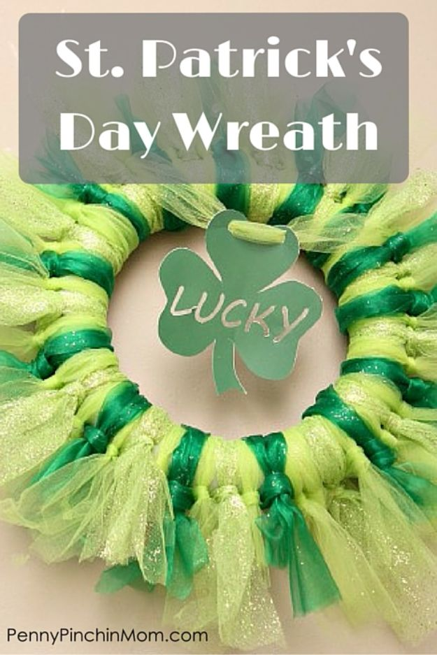 St Patricks Day Decor Ideas - DIY St. Patrick's Day Wreath - DIY St. Patrick's Day Party Decorations and Home Decor Crafts - Projects for Walls, Hanging Banners, Wreaths, Tabletop Centerpieces and Party Favors - Green Shamrocks, Leprechauns and Cute and Easy Do It Yourself Decor For Parties - Cheap Dollar Store Ideas for Those On A Budget http://diyjoy.com/diy-st-patricks-day-decor