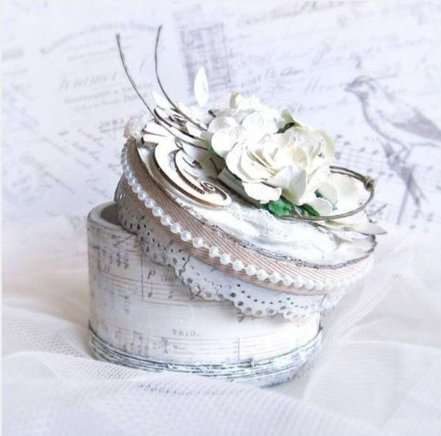 DIY Shabby Chic Decor Ideas - DIY Tape Roll Jewelry Box - French Farmhouse and Vintage White Linens - Bedroom, Living Room, Bathroom Ideas, Distressed Furniture and Boho Crafts - Cheap Dollar Store Projects and Upcycle Repurposed Home Decor #diyideas #shabbychic #diyhomedecor