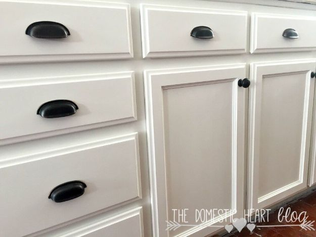 DIY Kitchen Cabinet Ideas - Farmhouse Kitchen Cabinet - Makeover and Before and After - How To Build, Plan and Renovate Your Kitchen Cabinets - Painted, Cheap Refact, Free Plans, Rustic Decor, Farmhouse and Vintage Looks, Modern Design and Inexpensive Budget Friendly Projects