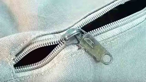 He shows us the right way to fix a broken zipper without cutting he shows us the right way to fix a broken zipper without cutting anything ccuart Gallery