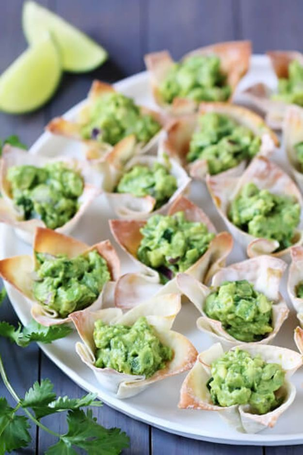 St Patrick's Day Food and Recipe Ideas - Guacamole Cups - DIY St. Patrick's Day Party Recipes for Dinner, Desserts, Cookies, Cakes, Snacks, Dips and Drinks - Green Shamrocks, Leprechauns and Cute Party Foods - Easy Appetizers and Healthy Treats for Adults and Kids To Make - Potluck, Crockpot, Traditional and Corned Beef http://diyjoy.com/st-patricks-day-recipes