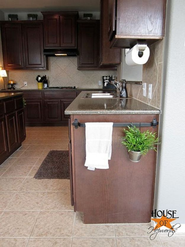 DIY Kitchen Cabinet Ideas - Hang Planters - Makeover and Before and After - How To Build, Plan and Renovate Your Kitchen Cabinets - Painted, Cheap Refact, Free Plans, Rustic Decor, Farmhouse and Vintage Looks, Modern Design and Inexpensive Budget Friendly Projects
