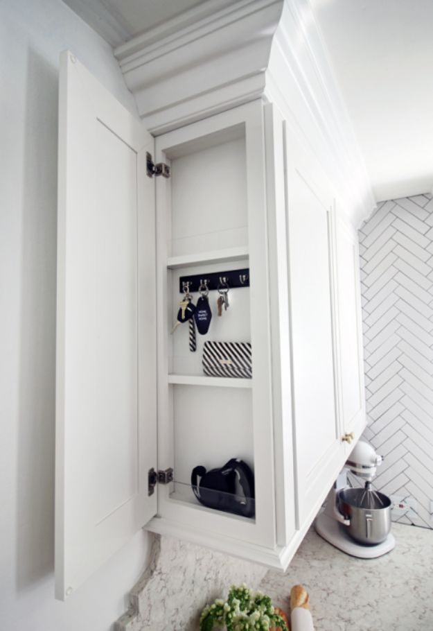 DIY Kitchen Cabinet Ideas - Hidden Key Storage - Makeover and Before and After - How To Build, Plan and Renovate Your Kitchen Cabinets - Painted, Cheap Refact, Free Plans, Rustic Decor, Farmhouse and Vintage Looks, Modern Design and Inexpensive Budget Friendly Projects