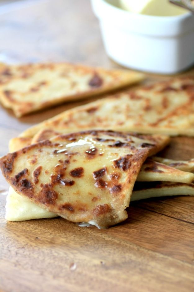 St Patrick's Day Food and Recipe Ideas - Irish Potato Scones - DIY St. Patrick's Day Party Recipes for Dinner, Desserts, Cookies, Cakes, Snacks, Dips and Drinks - Green Shamrocks, Leprechauns and Cute Party Foods - Easy Appetizers and Healthy Treats for Adults and Kids To Make - Potluck, Crockpot, Traditional and Corned Beef http://diyjoy.com/st-patricks-day-recipes