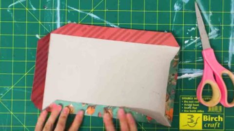 She Covers A BelVita Breakfast Box With Pretty Paper For A Much Needed Item. Watch! | DIY Joy Projects and Crafts Ideas