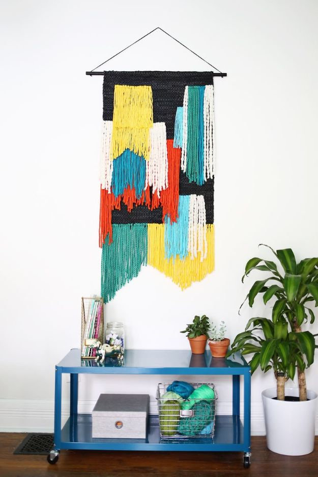DIY Wall Hangings - Large Tapestry Wall Hanging - Easy Yarn Projects , Macrame Ideas , Fabric Tapestry and Paper Arts and Crafts , Planter and Wood Board Ideas for Bedroom and Living Room Decor - Cute Mobile and Wall Hanging for Nursery and Kids Rooms http://diyjoy.com/diy-wall-hangings