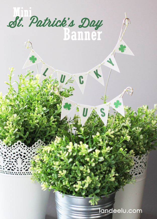 St Patricks Day Decor Ideas - Mini St. Patrick's Banner - DIY St. Patrick's Day Party Decorations and Home Decor Crafts - Projects for Walls, Hanging Banners, Wreaths, Tabletop Centerpieces and Party Favors - Green Shamrocks, Leprechauns and Cute and Easy Do It Yourself Decor For Parties - Cheap Dollar Store Ideas for Those On A Budget http://diyjoy.com/diy-st-patricks-day-decor