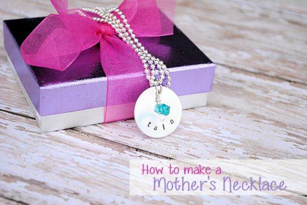 Best Mothers Day Ideas - Mother's Necklace - Easy and Cute DIY Projects to Make for Mom - Cool Gifts and Homemade Cards, Gift in A Jar Ideas - Cheap Things You Can Make for Your Mother http://diyjoy.com/diy-mothers-day-ideas