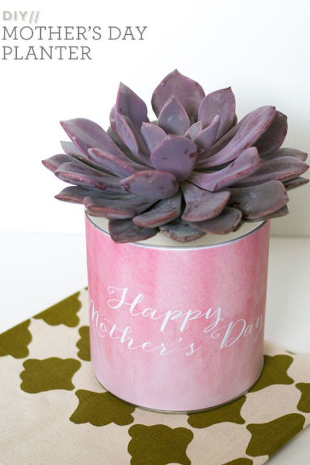 Best Mothers Day Ideas - Mother's Day Planter - Easy and Cute DIY Projects to Make for Mom - Cool Gifts and Homemade Cards, Gift in A Jar Ideas - Cheap Things You Can Make for Your Mother http://diyjoy.com/diy-mothers-day-ideas