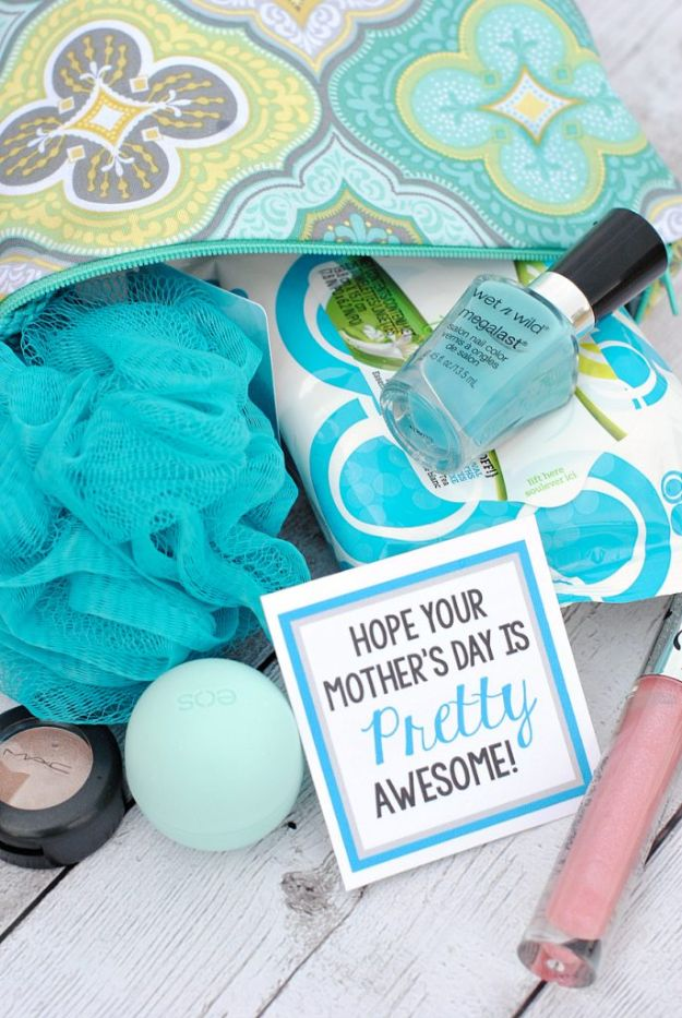 Best Mothers Day Ideas - Pretty Awesome Makeup Gifts - Easy and Cute DIY Projects to Make for Mom - Cool Gifts and Homemade Cards, Gift in A Jar Ideas - Cheap Things You Can Make for Your Mother http://diyjoy.com/diy-mothers-day-ideas