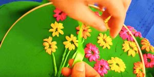 She Threads Her Needle With Ribbon And Makes These Incredible Flowers. Learn How!