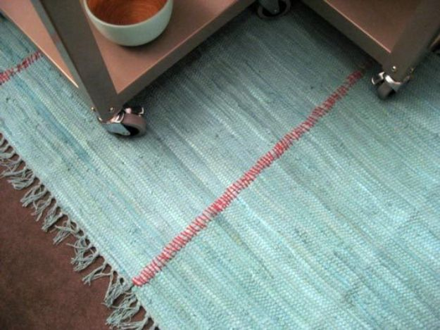 DIY Rugs - Sew Rugs Together - Ideas for An Easy Handmade Rug for Living Room, Bedroom, Kitchen Mat and Cheap Area Rugs You Can Make - Stencil Art Tutorial, Painting Tips, Fabric, Yarn, Old Denim Jeans, Rope, Tshirt, Pom Pom, Fur, Crochet, Woven and Outdoor Projects - Large and Small Carpet #diyrugs #diyhomedecor