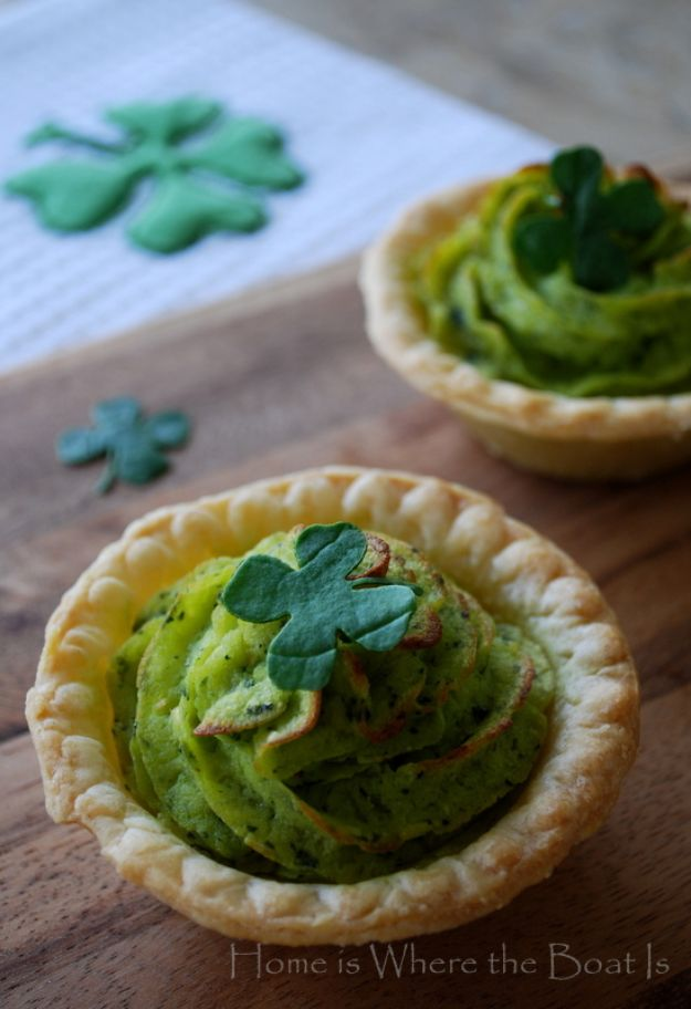 St Patrick's Day Food and Recipe Ideas - Spinach Pesto Mashed Potatoes - DIY St. Patrick's Day Party Recipes for Dinner, Desserts, Cookies, Cakes, Snacks, Dips and Drinks - Green Shamrocks, Leprechauns and Cute Party Foods - Easy Appetizers and Healthy Treats for Adults and Kids To Make - Potluck, Crockpot, Traditional and Corned Beef http://diyjoy.com/st-patricks-day-recipes