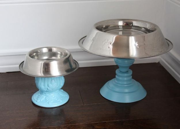 DIY Pet Bowls And Feeding Stations - Super Bowls - Easy Ideas for Serving Dog and Cat Food, Ways to Raise and Store Bowls - Organize Your Dog Food and Water Bowl With These Cute and Creative Ideas for Dogs and Cats- Monogram, Painted, Personalized and Rustic Crafts and Projects http://diyjoy.com/diy-pet-bowls-feeding-station